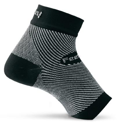 Feetures Plantar Fasciitis Sleeve in Black