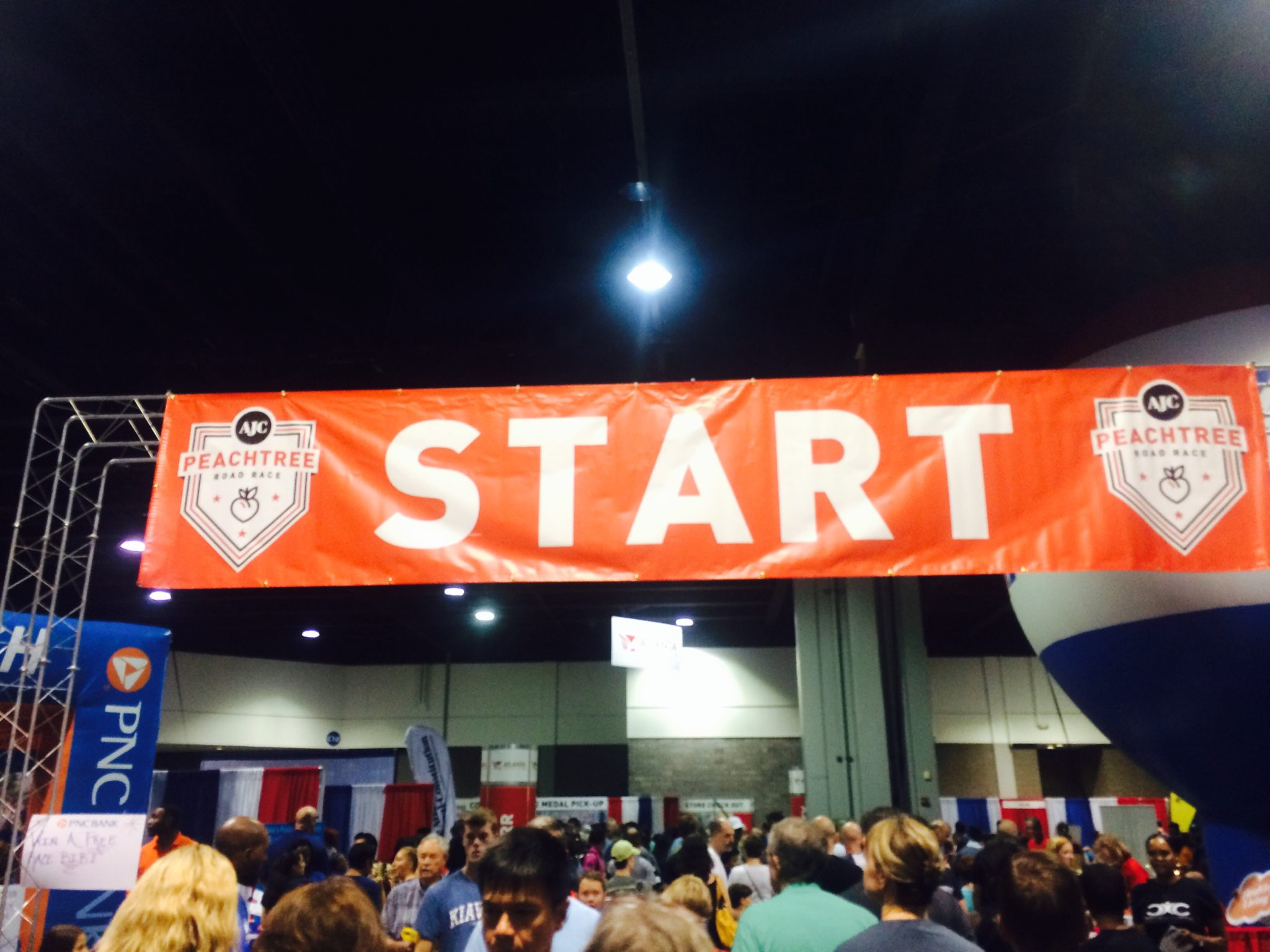 Peachtree Road Race Expo Review | Savvy Mama Lifestyle