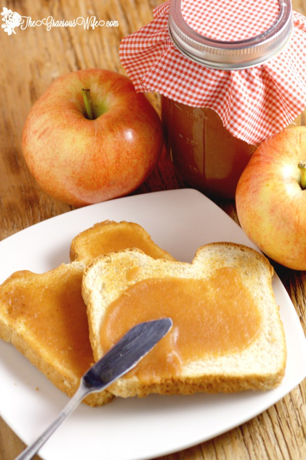 Apples recipes for fall, Crockpot apple butter, homemade apple butter recipe, slow cooker apple butter
