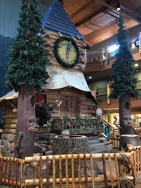 Forest Friends Show at Great Wolf, Great Wolf Lodge North Carolina, Great Wolf Lobby Show, Great Wolf Bedtime Show, Great Wolf Lodge North Carolina Review, Great Wolf Lodge Review, Great Wold Lodge NC
