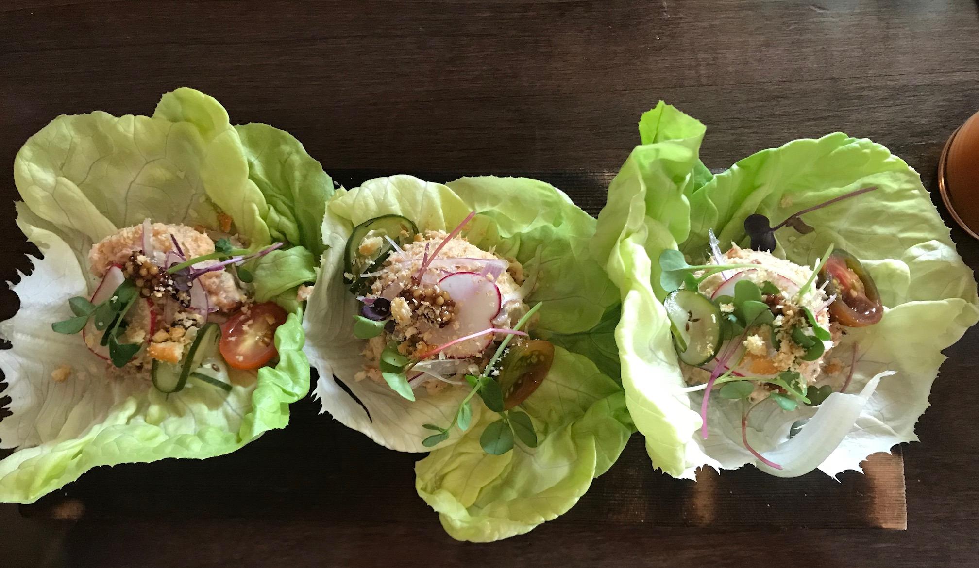 Gilbert's Hot Chicken, Fish + Shrimp, Gilbert's Hot Chicken in Jacksonville, Gilbert's Kitchen Jax Beach, Jacksonville Restaurant Review